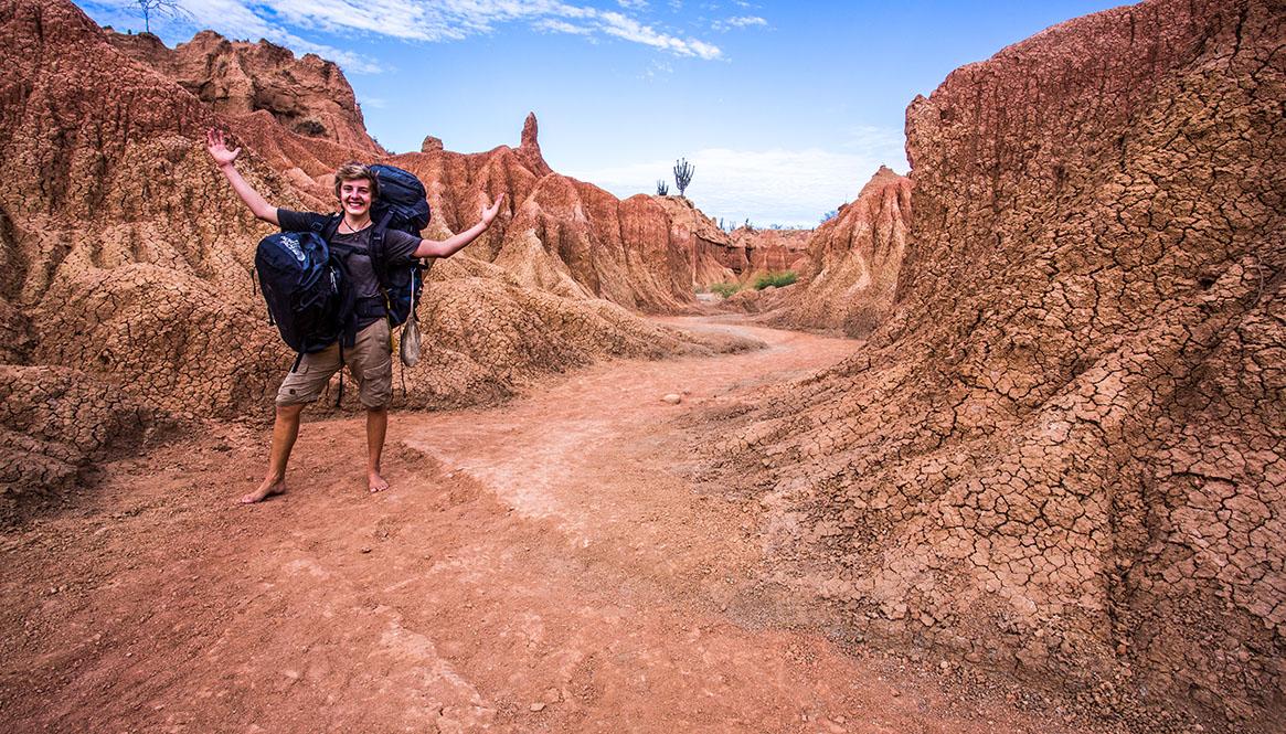 Per Anhalter hingetrampt, vor Ort barfuß unterwegs. Die kolumbianische Wüste Desierto de la Tatacoa ist auf jeden Fall ein erstrebenswertes Ziel!